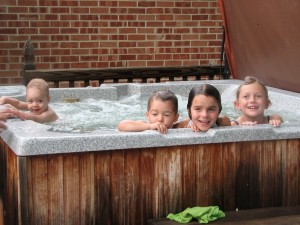 Hot Tubbin' with the Cousins